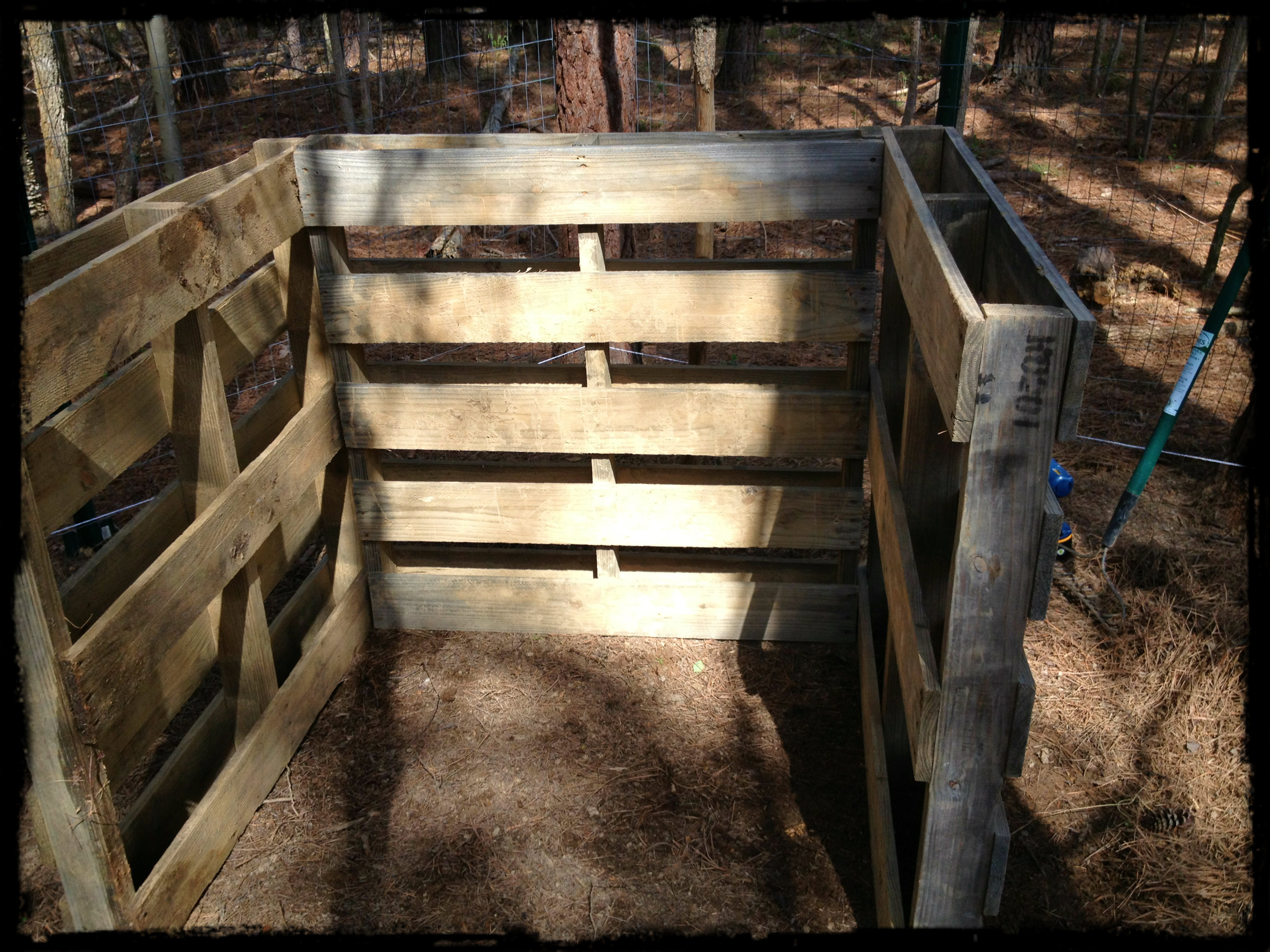 Download how to build a cheap chicken coop plans plans free for How to build a chicken pen cheap